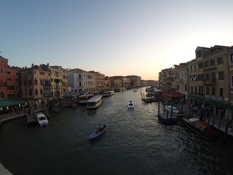 Vistas desde puente de Riaalto. Venecia